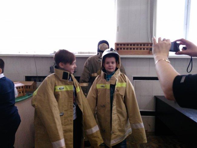 ОНД (по г. Радужный) В гости к огнеборцам.
