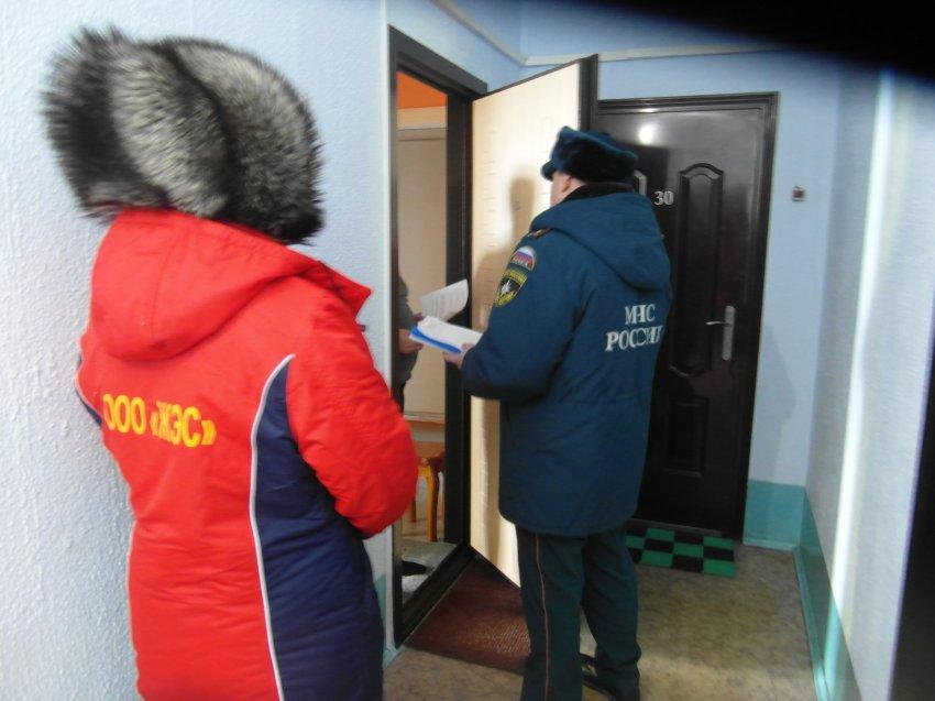 Профилактические рейды по пожарной безопасности проходят в жилом фонде Радужного.