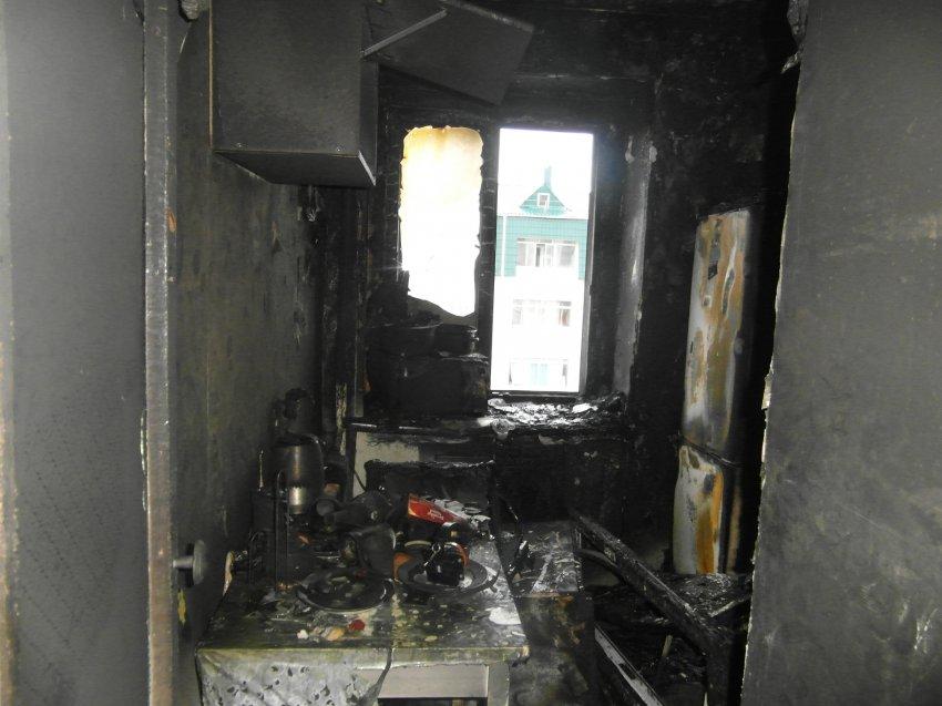Пожар 3 сентября 2017 года в квартире многоэтажного жилого дома.