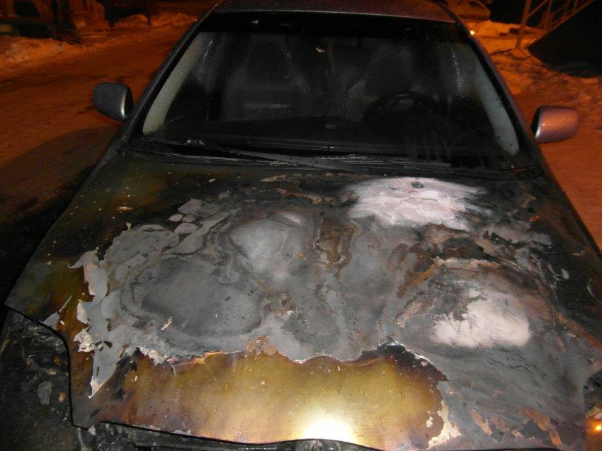Пожар в автомобиле 09 декабря 2017 года.