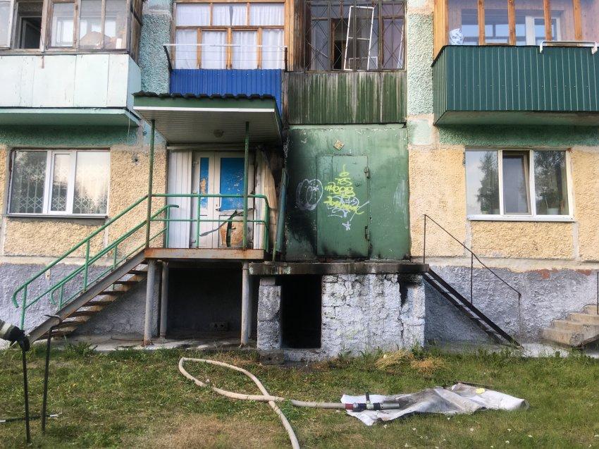 11 августа в районе многоквартирного жилого дома № 4 в 3 мкр. г. Радужный произошло возгорание мусора