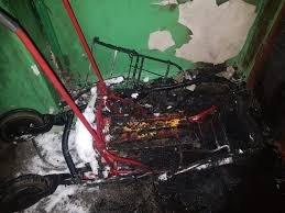 Пожар 16 февраля 2021 года в подъезде многоквартирного жилого дома.