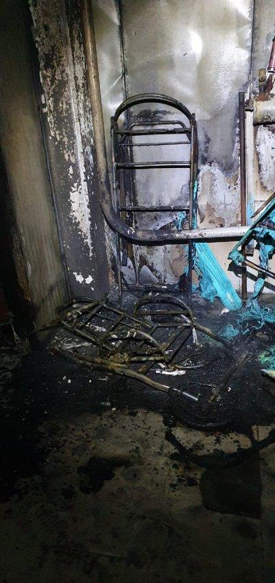 Пожар 15 февраля 2021 года в подъезде многоквартирного жилого дома.
